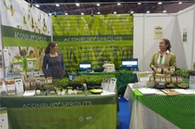 Sophie, Alina and Jill Swyers at Healthy Living Expo 2013 2